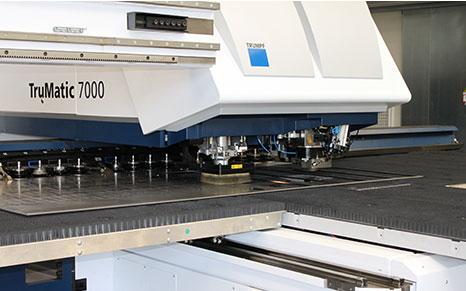 Metallverarbeitung mit Trumpf 7000 Stanz-Laser-Zenter